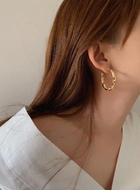 Rolling earring
